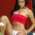 Andrea Rincon, Selena Spice Galeria 21 : Jean Azul y Top Rojo Foto 84