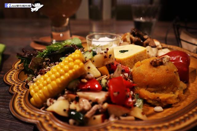 IMG 0310 - 【新竹美食】井家 TEA HOUSE 讓你彷彿置身於日本國度的老舊日式風格餐廳,更驚人的是這裡還是素食餐廳!