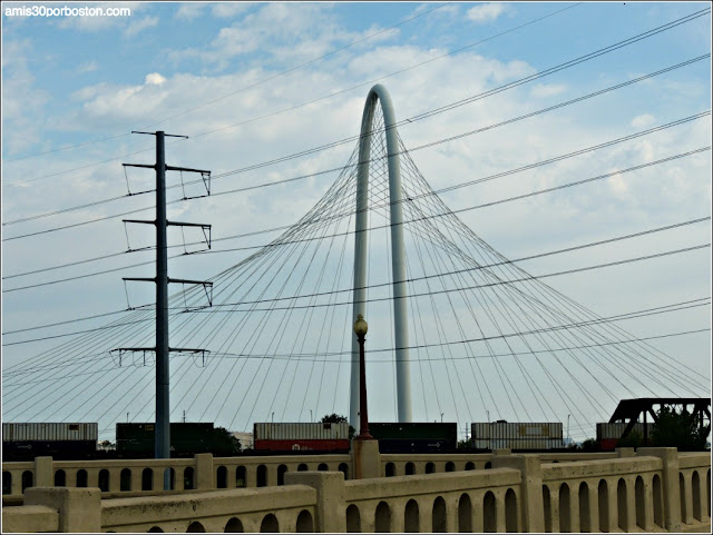 Lugares Turísticos y Atracciones en Dallas: Margaret Hunt Hill Bridge