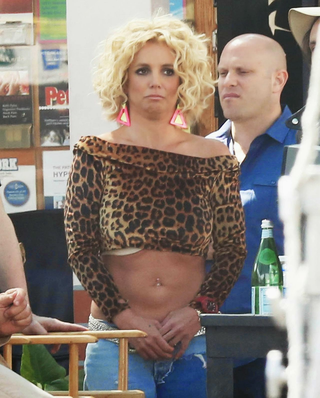 Britney Spears – Films music video for 'Pretty Girls' in Studio City