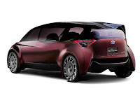 Toyota Fine-Comfort Ride Concept (2017) Rear Side