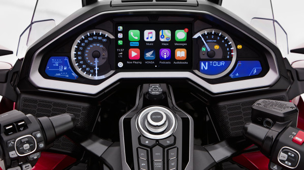 Honda Announces 2018 Gold Wing, The First Motorcycle Equipped With Apple's CarPlay System