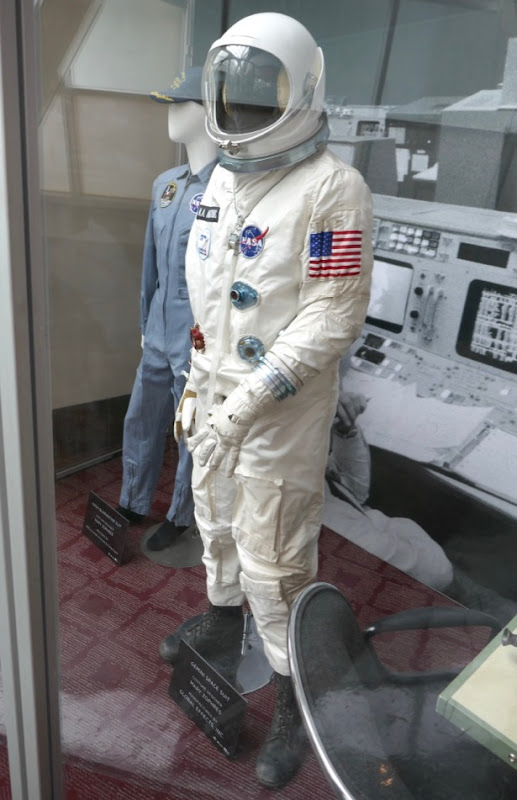 Ryan Gosling First Man Neil Armstrong Gemini spacesuit