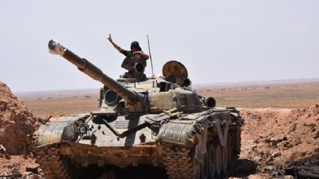 الجيش السوري يتابع يتقدمه في بادية السويداء.