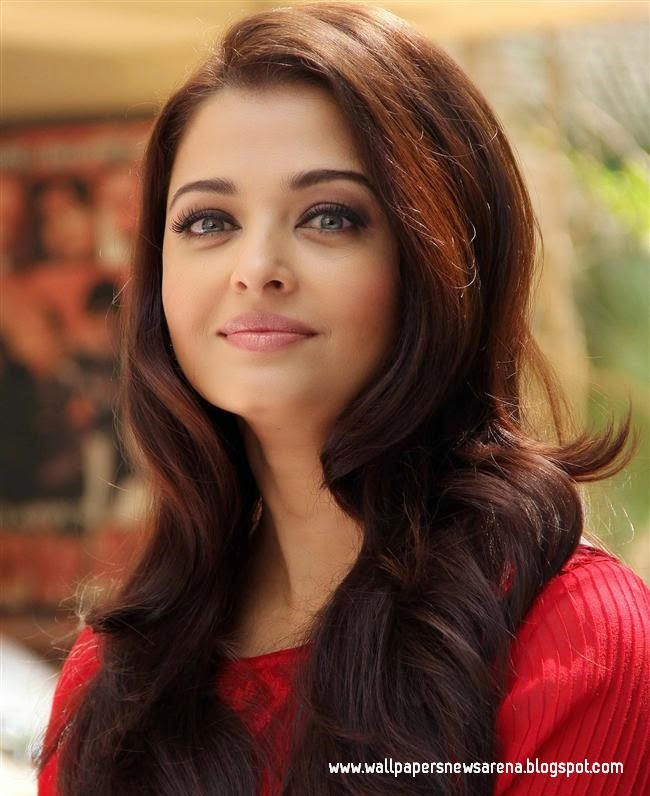 Bollywood Actress Aishwarya Rai HD Wallpaper / Pictures