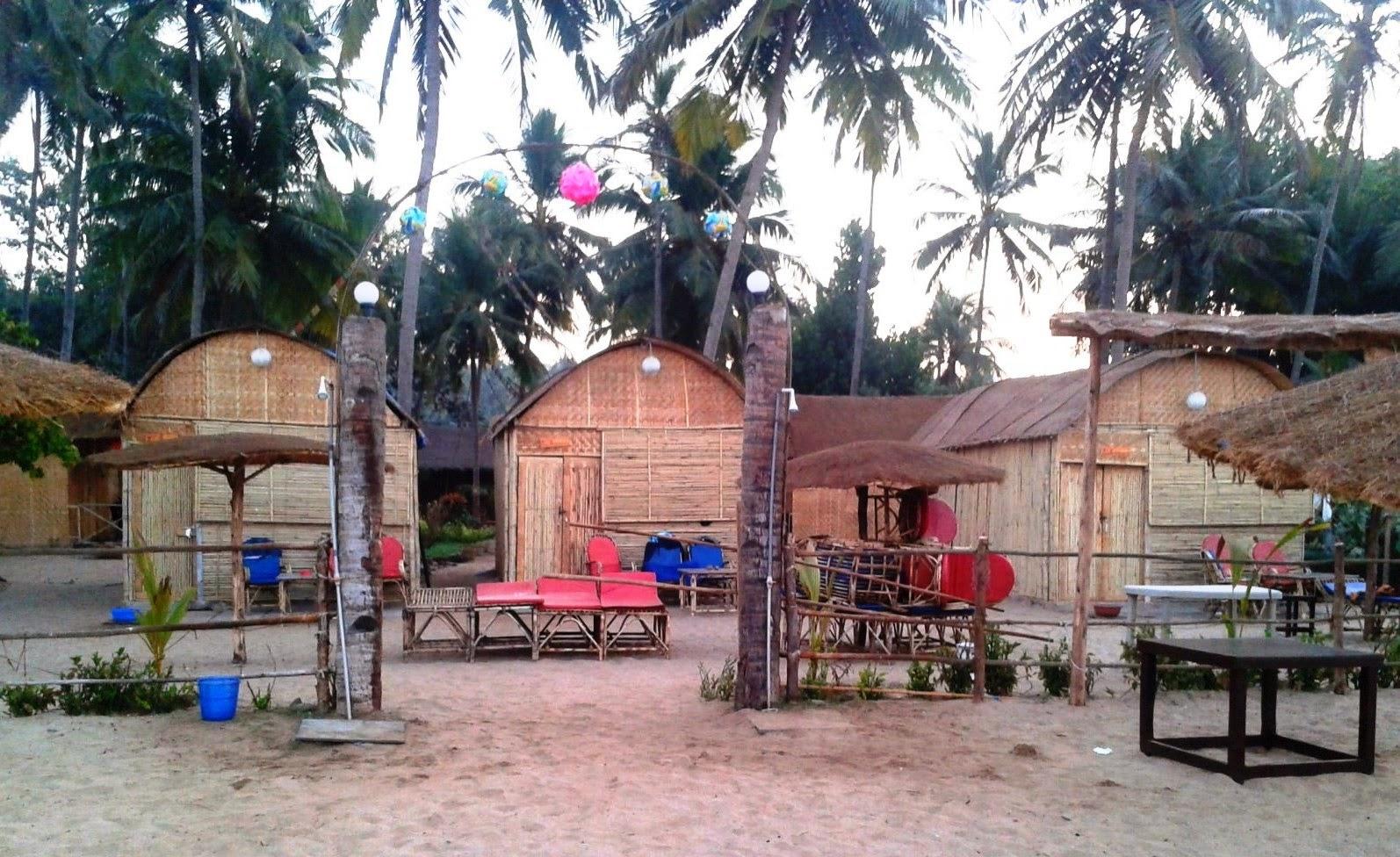 Foodaholix Hangout Agonda Beach Huts