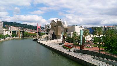 Ría y museo Guggenhein