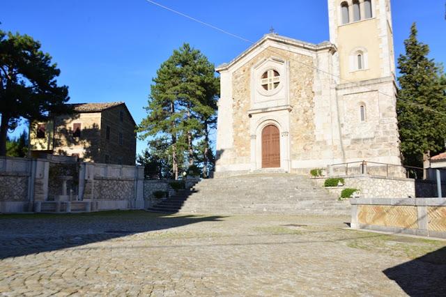 PIAZZA-CASTEL-DI-CROCE-ROTELLA