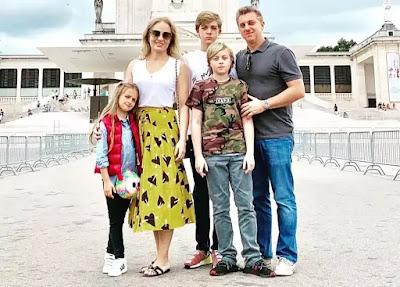 Angélica, Luciano Huck e os filhos — Foto: Reprodução/Instagram