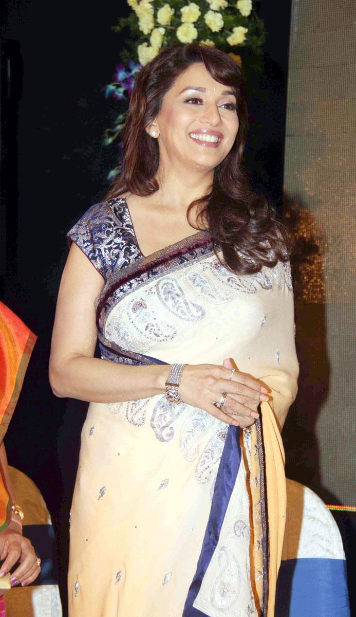 Priya patel sexy indian nri slideshow - 2 part 1