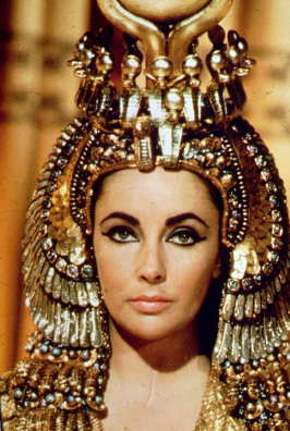 Fashion Power Film Costume Cleopatra 1963