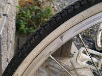 娘の22インチ自転車サイドウォール フロント、リヤ共に3.0kgf/㎠、300kpa