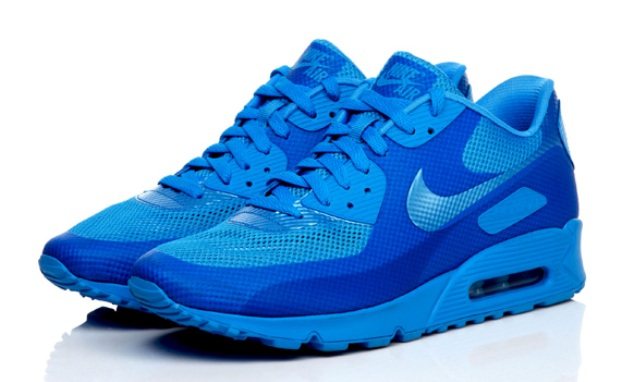 The Night Is Young: Nike Air Max 90 Hyperfuse New Colors