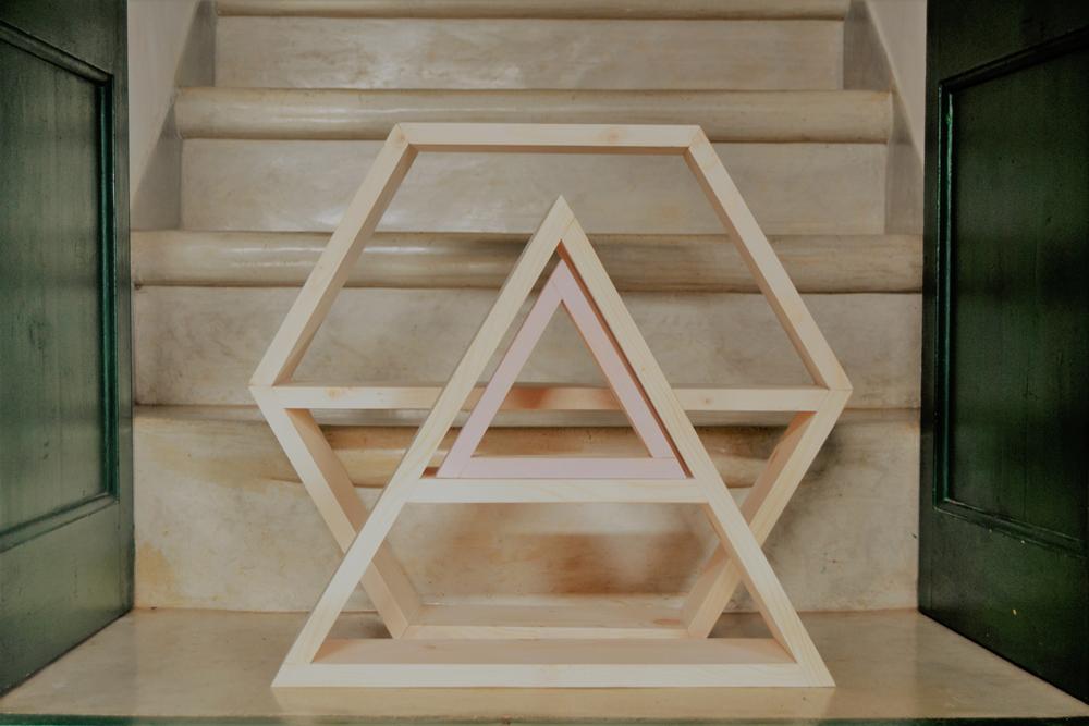 Diy tutorial, como hacer una estantería triangulo y otra en forma de hexágono, paso a paso