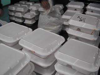 Pembungkus masakan yang kita temui dan digunakan sehari Pembungkus makanan, berbahayakah?