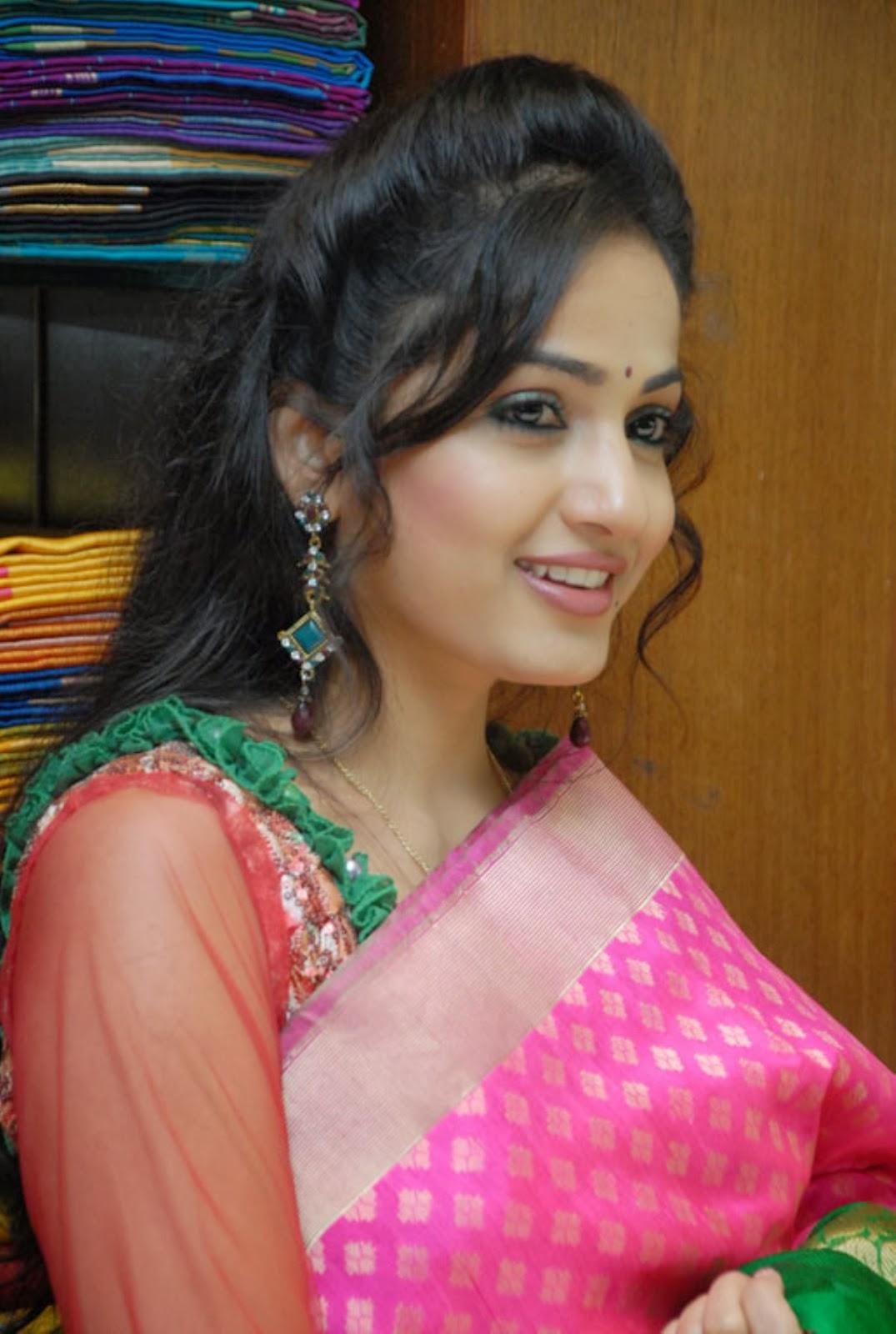 Enticing Madhavi latha in salwar kameez at sreeja fashions south silk festival 2013 launch