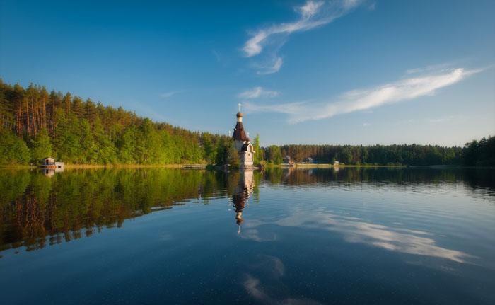 Церковь сказочной красоты (9 фото)