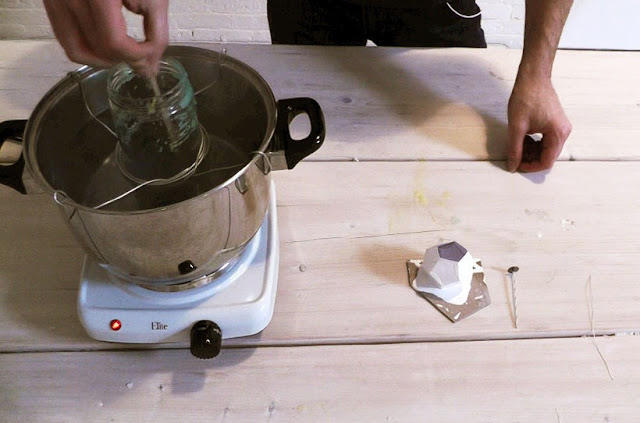 Diy: Cách làm son dưỡng môi bạc hà tươi mát