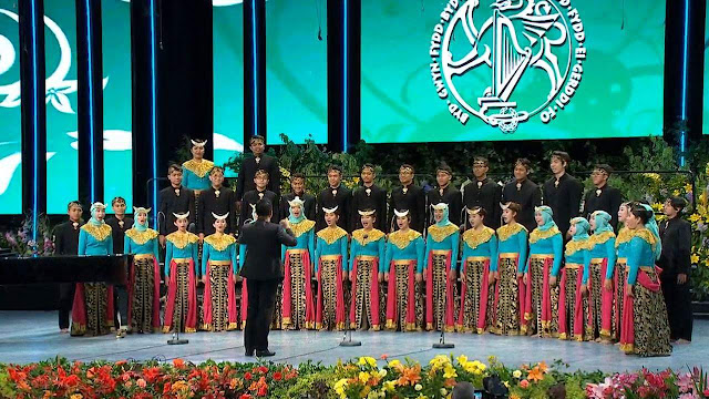 Student choirs
