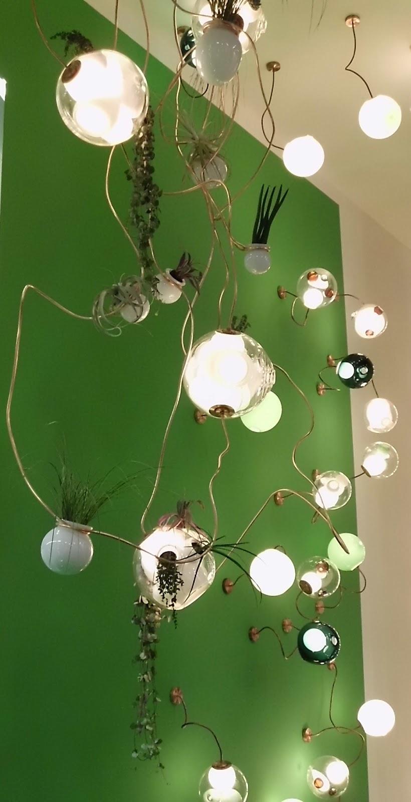 die wohngalerie pflanzen und leuchten in kombination bocci zeigt es. Black Bedroom Furniture Sets. Home Design Ideas