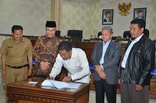 DPRD Agam, Sampaikan Pendapat Akhir Fraksi Terhadap Ranperda RAPBD TA. 2018