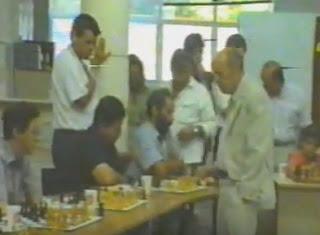 http://www.ajedrezvalenciano.com/2016/06/video-hoy-ofrecemos-este-documento.html