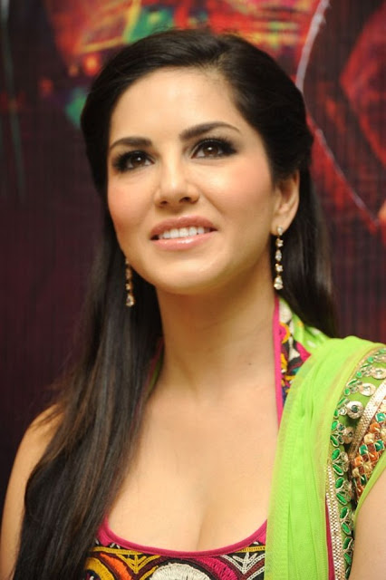 Best Sunny Leone Wallpapers and Pics