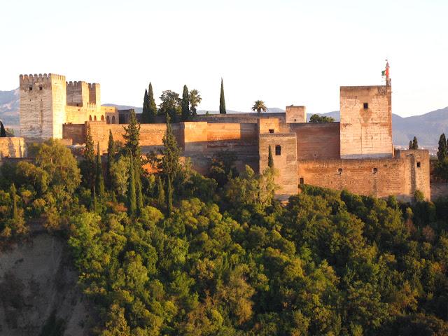 Alhambra, Cidadela Fortificada da Espanha