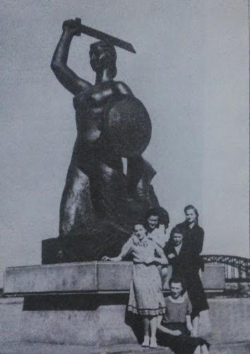 Syrenka - Krystyna Krahelska