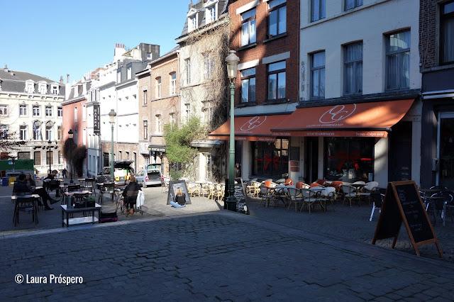 Um cantinho super charmoso na rue de l'Epée no bairro de Marolles, Bruxelas