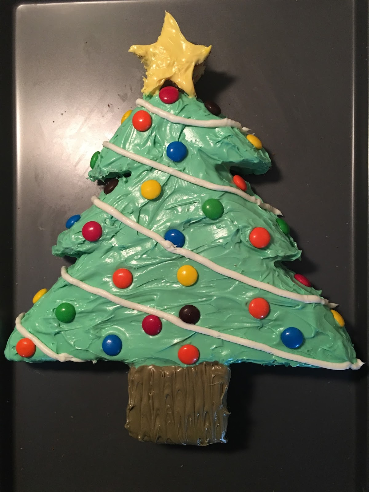 DeMarie\'s Dream: Easy Christmas Tree Cake