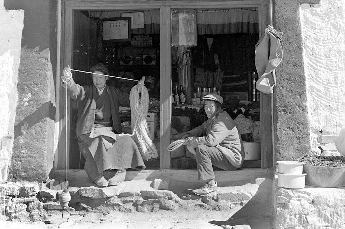 Tibet, Gyantse, filage, © L. Gigout, 1990