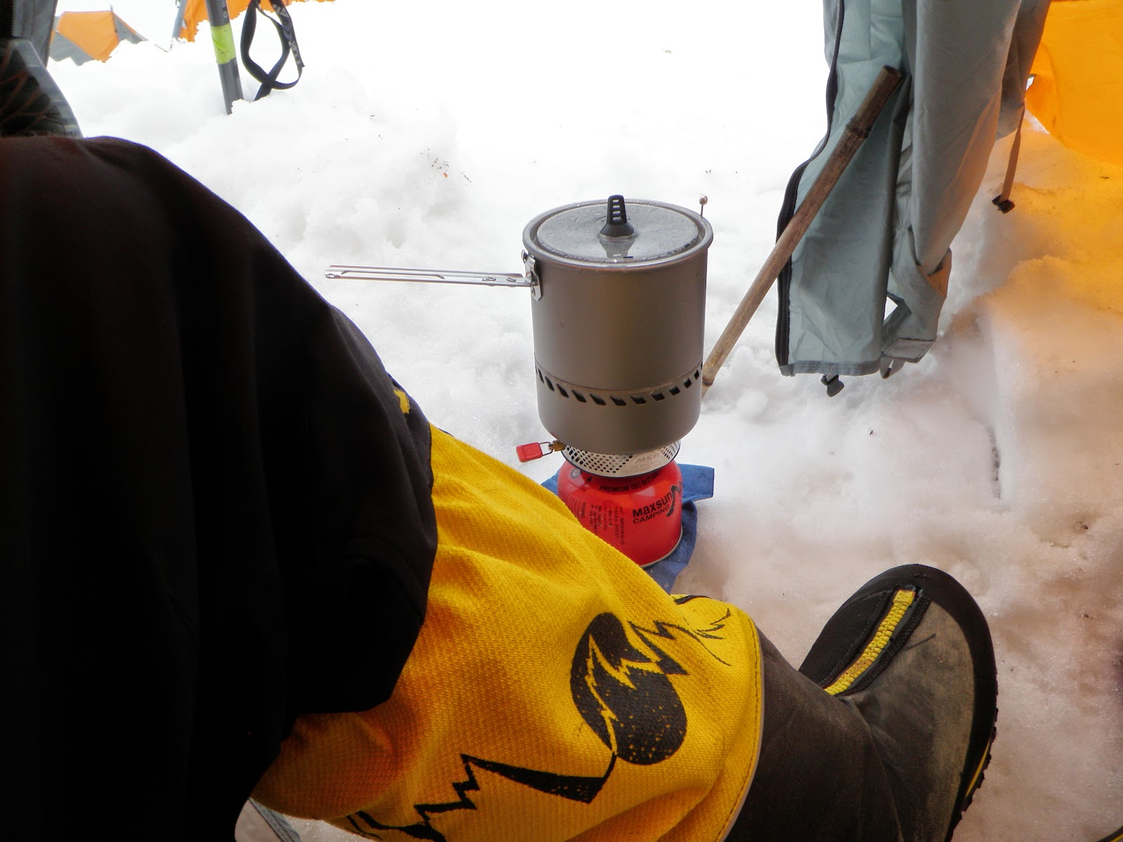 Adventures In Stoving: Do Canister Gas Stoves Work at High