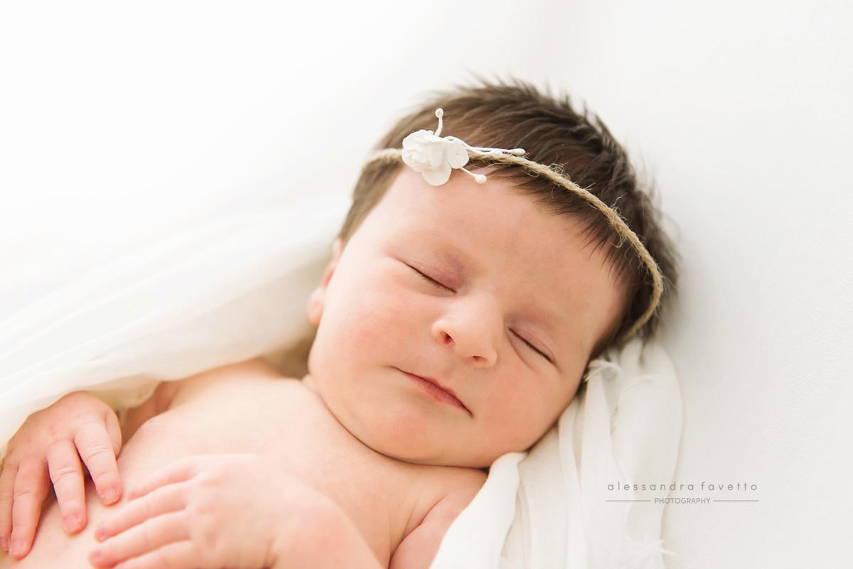 Fotografía bebé recién nacido a domicilio en la provincia de Sevilla