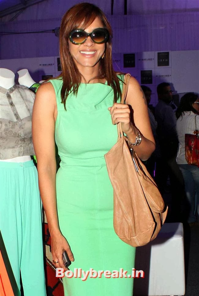 Manasi Scott, Top Bollywood Celebs at India Resortwear Fashion Week 2013