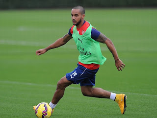 Arsenal star Theo Walcott picks another injury!