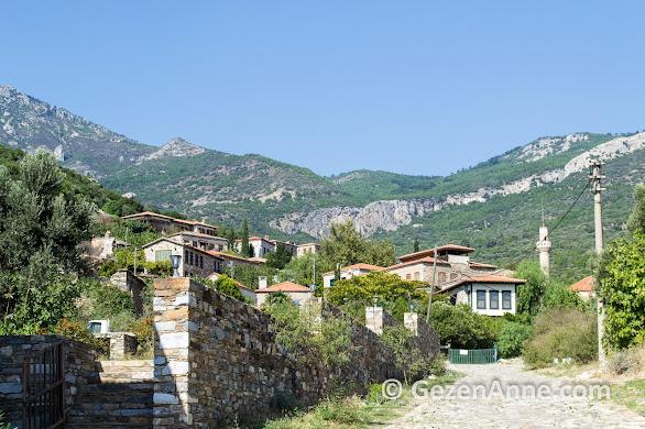 Dilek yarımadası milli parkı içinde tarihi Doğanbey köyü, Söke Aydın