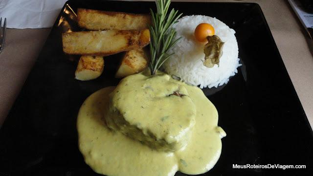 Filé ao molho de mostarda no restaurante Pequeno Bosque - São Joaquim/SC