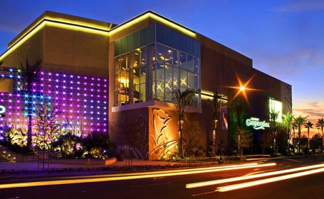 Garden Walk Mall Anaheim: In The Life Of LEGENDARY KIDD: Anaheim Garden Walk