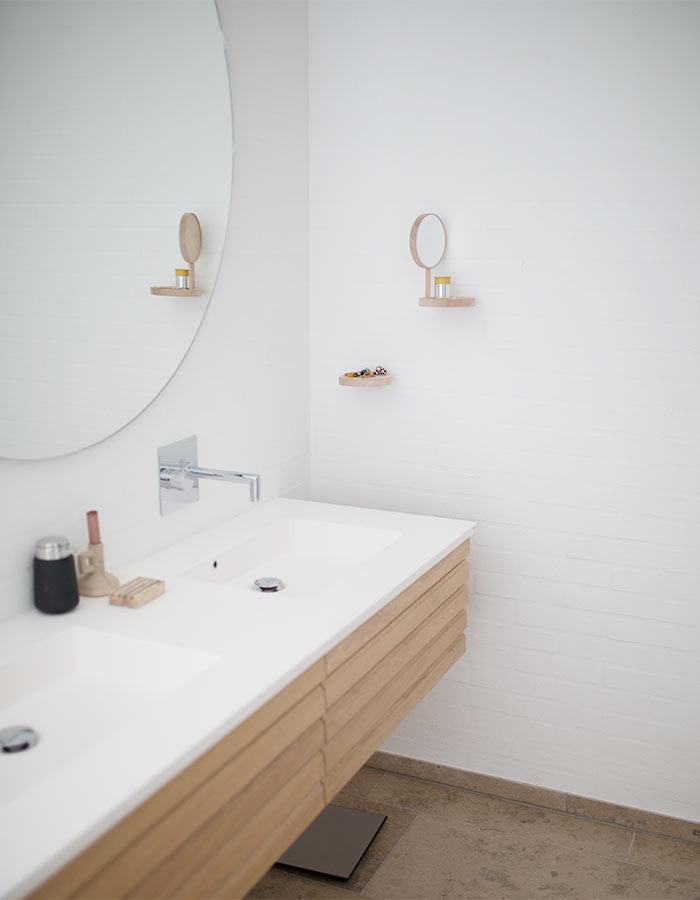 Veja estas dicas de pintura e saiba como harmonizar ambientes e valorizar seu imóvel. Na foto, inspiração de pintura para banheiro. Foto: pexels.com