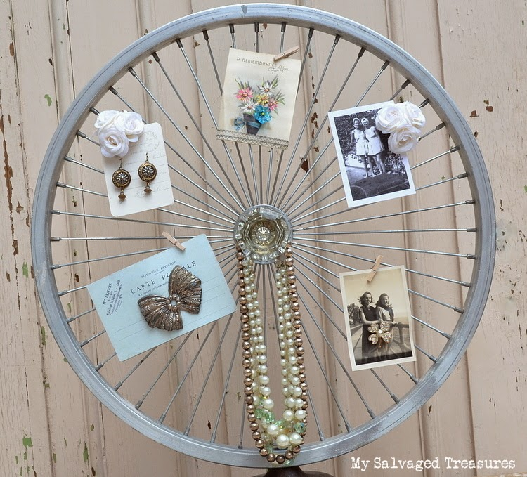 Jewelry holder from bicycle wheel