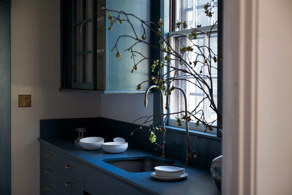 Home Decor Inspiration: Paint it Blue {Farrow & Ball Inchyra Blue}