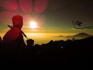 75 Kata Kata Mutiara Pendaki Gunung dan Pecinta Alam