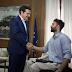 Η συνάντηση του Τσίπρα με τον παραολυμπιονίκη Αντώνη Τσαπατάκη - ΦΩΤΟ