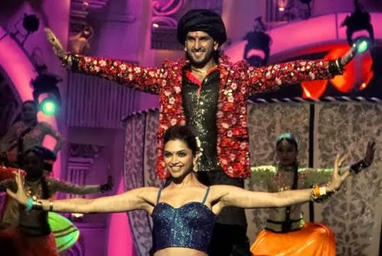 Ranveer Singh and Deepika Padukone perform at the Zee Cine Awards