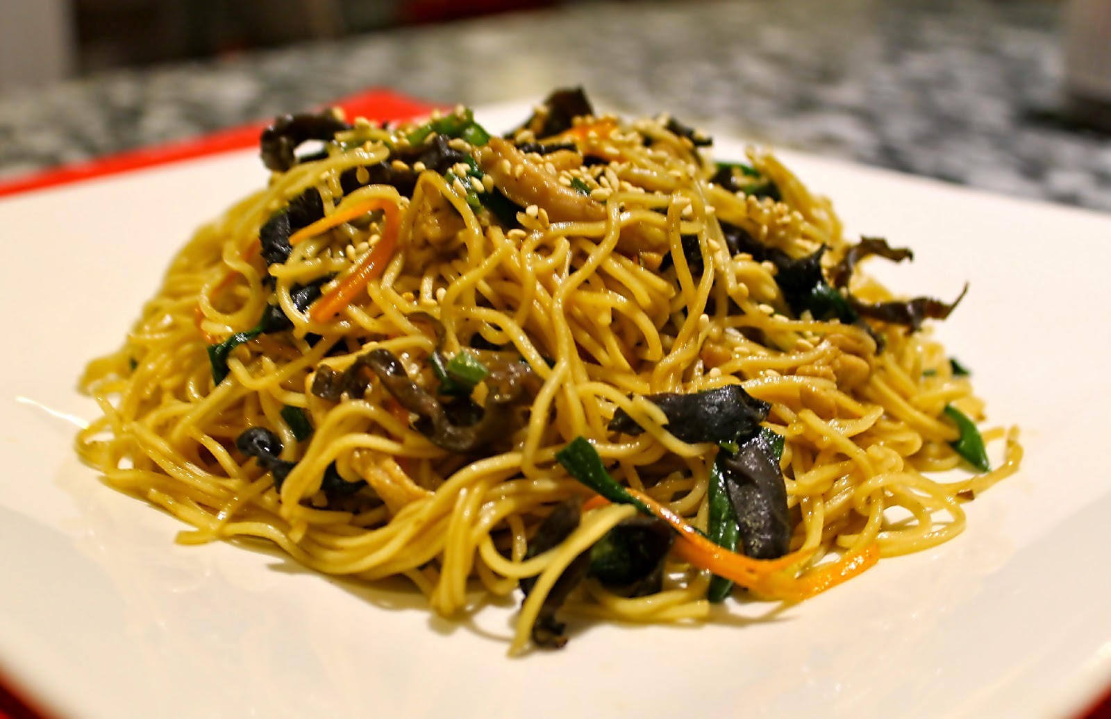 Cook with Kelly: Wood Ear Mushroom and Chicken (or Pork) Fried  Noodles/木耳肉絲炒面