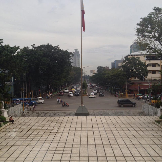 Osmeña Boulevard as viewed from the balcony of the Cebu Provincial Capitol