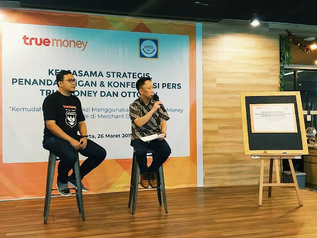 truemoney, ottopay, qr code, uang elektronik, digital money
