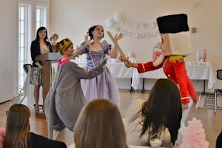 Tea with Klara, Virginia Regional Ballet, Nutcracker, Christmas Traditions, Williamsburg, Virginia, Klara, Mouse King,