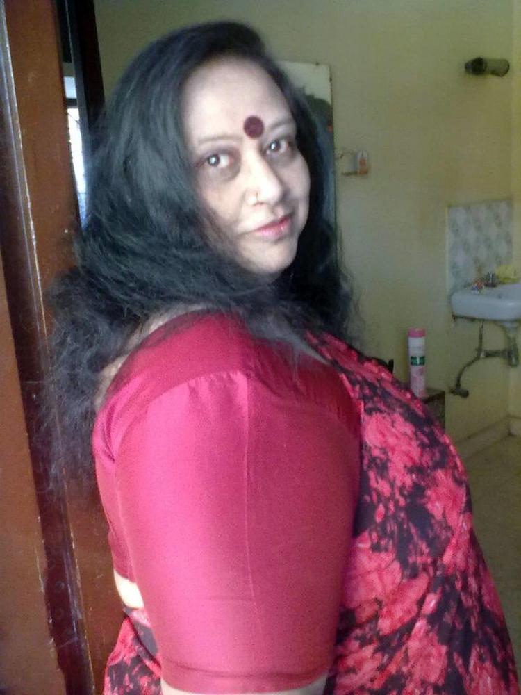 desi aunty saree mature kasta